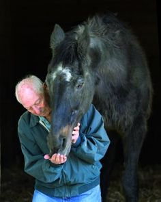 Lord Avie at 34. Beautiful photo of the oldest living Eclipse winner & his now 86 year old trainer.
