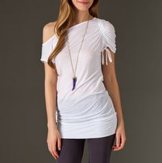 Crea hermosos vestidos y blusas a partir de camisetas.