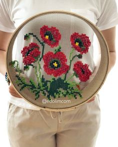 🌺👉🏻DM den ulaşabilirsiniz 📩 🌺👉🏻DM the ulaşabilirsiniz 📩 kanavice Learn Embroidery, Embroidery Art, Cross Stitch Embroidery, Flower Embroidery, Embroidery Designs, Modern Embroidery, Hand Embroidery Tutorial, Cross Stitch Flowers, Cross Stitching