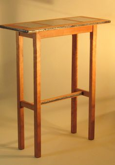 Portrait of Tall Accent Table, A Stylish Item for Utilizing the Empty Space