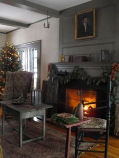 Christmas Home Tour at my friend Sally Spaulding's (Hazard Primitives, KY)