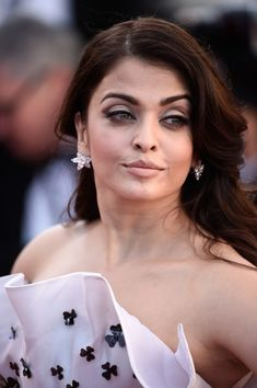 """Aishwarya Rai Photos Photos - Aishwarya Rai Bachchan attends the Premiere of """"Youth"""" during the annual Cannes Film Festival on May 2015 in Cannes, France. - 'Youth' Premiere - The Annual Cannes Film Festival Bollywood Actress Hot Photos, Bollywood Girls, Beautiful Bollywood Actress, Most Beautiful Indian Actress, Bollywood Celebrities, Bollywood Style, Aishwarya Rai Images, Aishwarya Rai Photo, Actress Aishwarya Rai"""