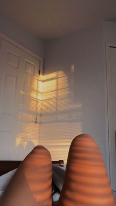 Aesthetic Photo, Aesthetic Girl, Aesthetic Pictures, Rauch Fotografie, Orange Aesthetic, Insta Photo Ideas, Tumblr Photography, Instagram Story Ideas, Golden Hour