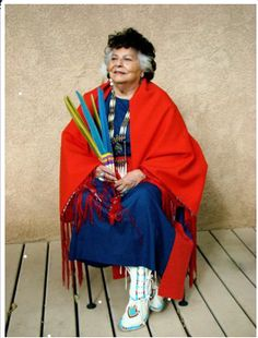 This is Smart Girl LaDonna Vita Tabbytite Harris. A member of the Comanche tribe, she has spent her life helping all native peoples of the Americas. She became a nationally recognized advocate on behalf of Native Americans, and was a founding member of the National Women's Political Caucus. She has helped tribes reclaim land, she has helped women and indigenous people around the world gain equality. #ladonnavitatabbytiteharris #comanche #smartgirls #nativeamerican #amypoehler