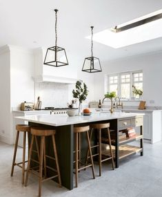 There is no question that designing a new kitchen layout for a large kitchen is much easier than for a small kitchen. A large kitchen provides a designer with adequate space to incorporate many convenient kitchen accessories such as wall ovens, raised. Home Decor Kitchen, Interior Design Kitchen, New Kitchen, Home Kitchens, Kitchen Ideas, Kitchen Modern, Kitchen Hacks, Rustic Kitchen, Kitchen Furniture
