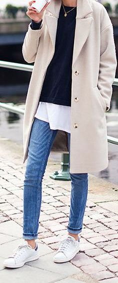 New fashion winter chic ray bans ideas Casual Chic, Style Casual, Comfy Casual, Casual Fall, Casual Outfits, Fashion Outfits, Trendy Style, Dress Casual, Winter Outfits