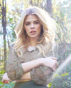 What do you think? #sarahlenoirphotography #photo #photoshoot #photooftheday #photochallenge #photo #blonde #fall #autumn #blondebalayage #blondehighlights #blondegirl