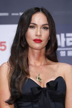 Megan Fox – Teenage Mutant Ninja Turtles 2 - More Set Photos From New York City, May Megan Fox Style, Outfits and Clothes. Ninja Turtles 2, Teenage Mutant Ninja Turtles, Old Actress, American Actress, Megan Fox Style, Megan Fox Photos, Brian Austin Green, Megan Denise Fox, Jennifer's Body
