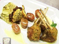 Costillas de cordero con crout de hierbas, salsa de menta, chutney e hinojo grillado
