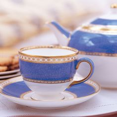 Ulander Powder Blue - Šálek na čaj Leigh l Vegan Teas, Royal Albert, Wedgwood, High Tea, Shades Of Blue, Tea Time, Tea Party, Tea Cups, Blue And White
