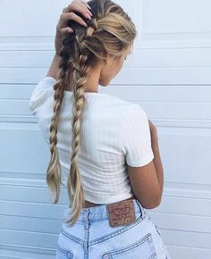 54 Cute and Easy Long Hairstyles for School for Fall and Winter - Hairstyle ? ♥ ♥♥ ♥♥ 54 Cute and Easy Long Hairstyles for School for Fall and Winter - Hairstyle ? Hair Day, My Hair, Girl Hair, Hair Inspo, Hair Inspiration, Messy Hairstyles, Holiday Hairstyles, Easy School Hairstyles, Glamorous Hairstyles
