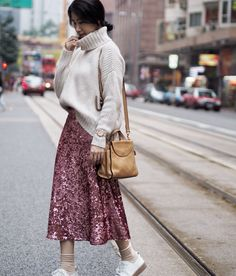 Tone it down to daytime wear by… Sequin Skirt Outfit, Winter Skirt Outfit, Skirt Outfits, Casual Outfits, Vegas Outfits, Club Outfits, Bar Outfits, Moda Fashion, Skirt Fashion