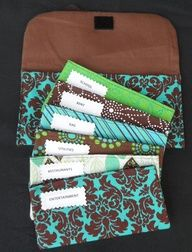 Fabric Cash Envelopes (Dave Ramsey System) For my friends who are on the envelope system :o) even better than paper! I wish I could sew! I need to do this and it'd be easier to stick to when you have cute envelopes to store the money in! Sewing Crafts, Sewing Projects, Craft Projects, Diy Crafts, Sewing Ideas, Cash Envelopes, Budget Envelopes, Paper Envelopes, Envelope Budget