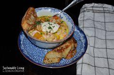 Höstig fisk- och skaldjursgryta med saffran, chili, och skördegrönt
