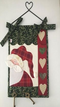 Click para visualizar by lucy Christmas Patchwork, Christmas Sewing, Primitive Christmas, Christmas Projects, Holiday Crafts, Christmas Wall Hangings, Christmas Towels, Christmas Stockings, Christmas Makes