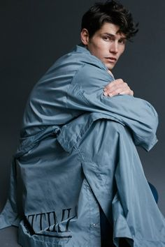 Male Fashion Trends: Sam Way para Essential Homme Magazine por Bartek Szmigulski Sam Way, Lennon Gallagher, Male Fashion Trends, Face Photo, New Face, Hair Lengths, Physique, Male Models, Editorial Fashion