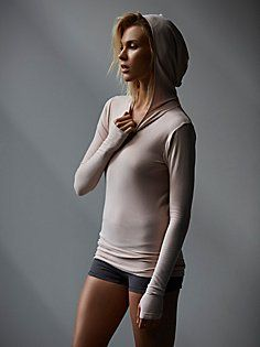 ad2eb1cf9f071 Hooded Long Sleeve Layering Tee  freepeople  fpmovement  workoutwear  Deportes