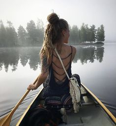 Gorgeous nude woman staying on a small bridge Gypsy Style, Hippie Style, Hippie Party, Hippie Shop, Bohemian Summer, Boho Festival, Best Photographers, Dreads, The Great Outdoors