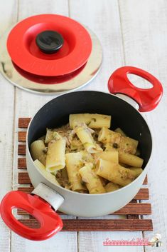 Pasta tonno e zucchina con Magic Cooker Pasta, Cornbread, Cooker, Magic, Ethnic Recipes, Evolution, Food, Puertas, Essen