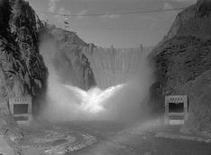 photos of Hoover Dam Us History, American History, Hoover Dam Construction, Grey Wallpaper Iphone, Hydroelectric Power, Boulder City, Lake Mead, Le Moulin, Aerial View
