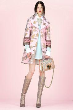 Apr the complete andrew gn resort 2018 fashion show now on vogue Estilo Fashion, Fashion Moda, Fashion 2018, Fashion Week, Runway Fashion, Fashion Trends, Fashion Details, Love Fashion, Fashion Design