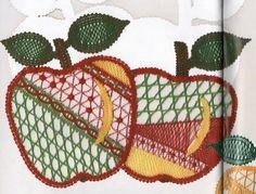renda de bilros / bobbin lace Plantas + Arvores / Plants + Trees Romanian Lace, Bobbin Lacemaking, Bobbin Lace Patterns, Lace Flowers, Album, Knitting, Floral, Projects, Red