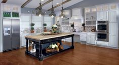The L-shaped kitchen is a great design choice for smaller kitchens. It really maximizes space! http://www.kraftmaid.com/kraftmaid/popular-kitchen-layouts-the-lshaped-kitchen/#utm_sguid=160301,007dcb64-f3bb-624d-3baa-2c3d4013be83 #planning #kitchen