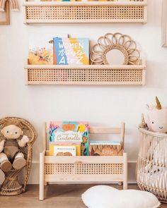 D.I.Y. Cane Book Shelf - Flisat Ikea Hack - Kate Nelle Ideias Diy, Big Girl Rooms, Kids Rooms, Boy Rooms, Kids Room Design, Playroom Design, Bookshelves, Billy Bookcases, Billy Bookcase Hack
