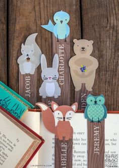 9. #CUSTOMIZABLE WOODLAND #BOOKMARKS - Save My Page! 30 Cute DIY Bookmarks to Make & Use ... → DIY #Bookmark