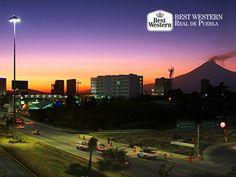 Un lugar sorprendente. EL MEJOR HOTEL EN PUEBLA. Cuando se trata de sorprenderse, en Best Western Hotel Real de Puebla, le recomendamos viajar a la capital de nuestro estado, la cual está llena de hermosos atractivos que disfrutará enormemente. Le invitamos a comunicarse con nosotros al (222)2300122, para reservar su estancia en nuestras confortables instalaciones. ¡Le esperamos! #bestwesternenpuebla