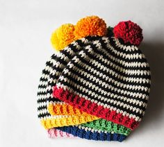 With this pattern by Ball Hankn Skein you will lear how to knit a Pop Hat Crochet Pattern step by step. It is an easy tutorial about pop to knit with crochet or tricot. Bonnet Crochet, Crochet Baby Hats, Crochet Beanie, Crochet For Kids, Baby Knitting, Knitted Hats, Knit Crochet, Simple Crochet, Crochet Granny