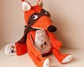 Doudou renard roux avec masque et cape bruns : Jeux, jouets par louise-marine-crea