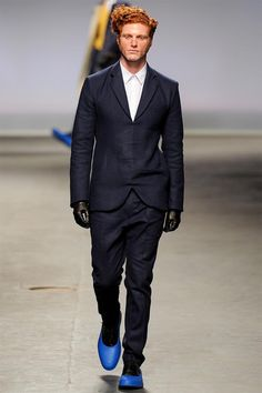See all the MAN Fall/Winter photos on Vogue. Fashion Art, Fashion Show, Mens Fashion, Fashion Design, Black Cocktail Dress, Fall Collections, British Style, Vogue Paris, Man