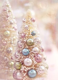Find images and videos about pastel, christmas and christmas tree on We Heart It - the app to get lost in what you love. Silver Christmas, Christmas Colors, Vintage Christmas, Christmas Holiday, Christmas Trees, Pastel Home Decor, Home Decor Wall Art, Winter Pastels, Christmas Photography