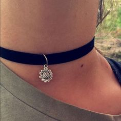 90's Chocker Hand made adjustable chocker. Made with black velvet and sunflower pendent. Made to order. Handmade Jewelry Necklaces