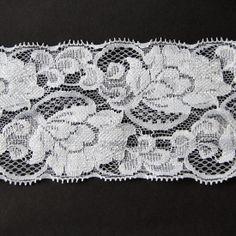 1 Meter elastische Spitze Weiss. 8 cm breit von Spitzen24 auf DaWanda.com