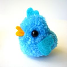 Pom pom birdie with heart pom pom maker