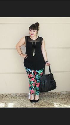2017 Fashion! Floral skinnies, black sleeveless. Top knot. Black pumps. Your Curves, Your Style Dia&Co picks out fashion for you & delivers to your door. Sizes 14&up. Plus sized fashion picked just for you.