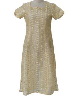 Newer than 90s -no label- Womens button yellow, white and lurex metallic gold, sheer linen, short sleeve, pullover Kameez Ethnic Dress or long Tunic Top with delicate horizontal embroidered flowers in woven waves, concave notched square neckline, tapered waistline, calf-length skirt and very high side slits made to be worn with pants