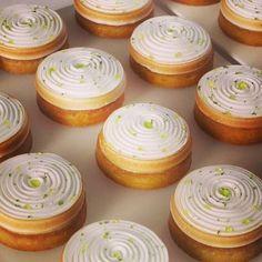 Tartes au citron tout en gourmandises spécialités et style crée par Yann