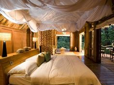 treehouse luxury safari in Africa ... Lake Manyara, Tanzania