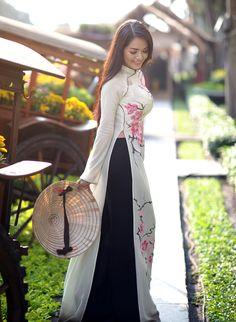 Loving Asian Culture: Traditional Costumes | Sparkling Glimmerella - Vietnam