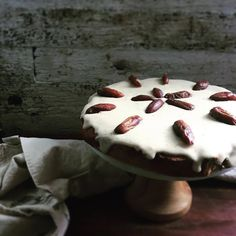 Gluten free date cinnamon coconut cake – Low Tox Life Whole Food Recipes, Cake Recipes, Date Cake, Baked Pancakes, Almond Cakes, Gluten Free Cakes, Round Cakes, Cake Tins, Cupcake Cakes