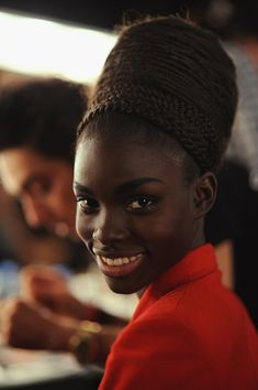 Black Beauty : I Love Dark Skin Black Women Story & Experience Black Girl Magic, Black Girls, Hair Afro, Braid Hair, Hair Wigs, Natural Hair Bun Styles, Jumbo Box Braids, Dark Skin Beauty, My Black Is Beautiful