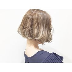 【ボブ × ヘーゼルカラー】 ハイトーンはヘーゼルカラーがおすすめです(*^^*) ボブは横や後ろからのフォルムも特にこだわります♪ #PEEKABOO #hair #hairstyle #fashion #VOGUE #perkmagazine #GISELe #Sweet #love #like #cute #girl #happy #instagood #ピークアブー #ヘアスタイル #ボブ #前下がりボブ #外国人風 #ヘアカラー #グラデーションカラー #イルミナカラー #ヘーゼルカラー #新宿 #shinjuku #ミライナタワー #ニュウマン #NEWoMan #安藤利晃