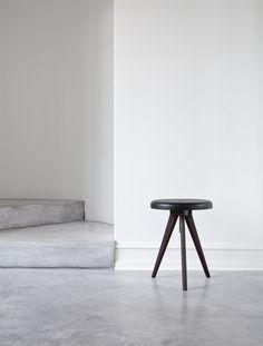 Flip Around, Dark Ash Design by Norm Architects