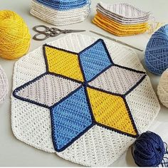 from diamonds to a star 🌟 . Crochet Motifs, Tunisian Crochet, Crochet Granny, Crochet Blanket Patterns, Baby Knitting Patterns, Crochet Stitches, Quilt Patterns, Crochet Home, Crochet Baby