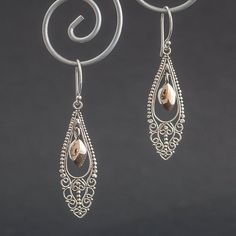 orientalnie z odrobiną złota - kolczyki (sprzedawca: Małgorzata Zbęk), do kupienia w DecoBazaar.com