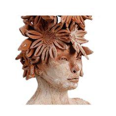 """Florence, Florette, Floriane, sono tutte varianti francesi del nostro Fiorenza: dal latino florens, """"che fiorisce, fanciulla in fiore"""". Un nome decisamente propiziatorio. #ceramica #arte #scultura #donna #fanciulla #fiore"""