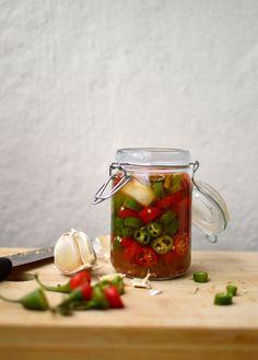 Chili, Vegetables, Food, Sauces, Mesas, Chile, Essen, Vegetable Recipes, Meals
